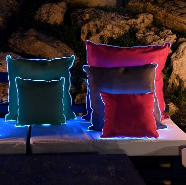 2Coussins lumineux 65×65cm Sunvibes